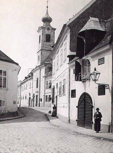 Kirche in Nussdorf, Wien, Österreich. Photographie. Um 1890.