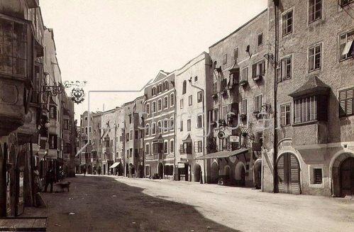 Stadtansicht von Rattenberg, Tirol, Österreich. Photographie. Um 1890.