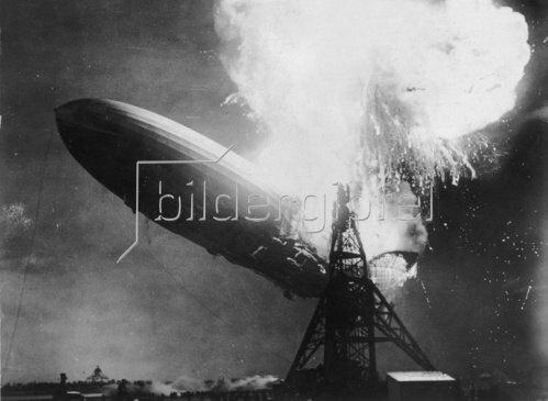 Explosion des Luftschiffes Hindenburg bei der Landung in Lakehurst. 6. Mai 1937.