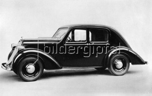 Automobil von Steyr-Daimler-Puch. Photographie. Um 1936