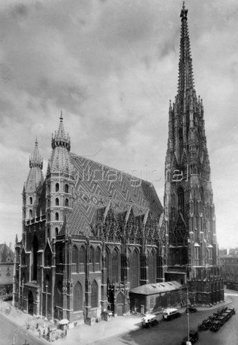 Blick auf den Stephansdom. Wien. Österreich. Photographie. Um 1930.