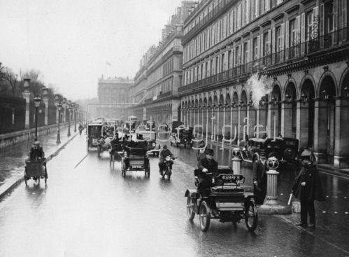 Eines der ersten französischen Autos, ein Dion Modell.