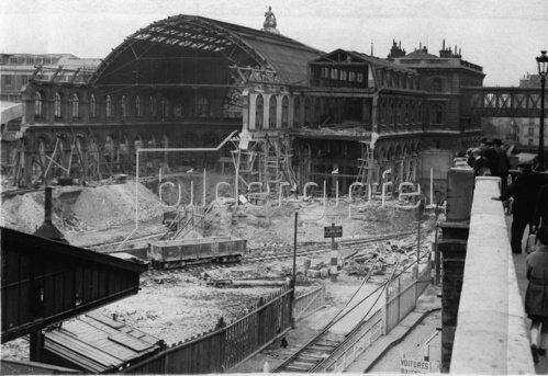 Bauarbeiten am Gare de l'Est. Paris. Photographie. Frankreich. Um 1935.