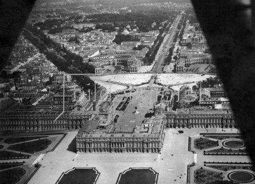 Luftaufnahme des Schlosses Versailles. Paris. Frankreich. Photographie. Um 1935.
