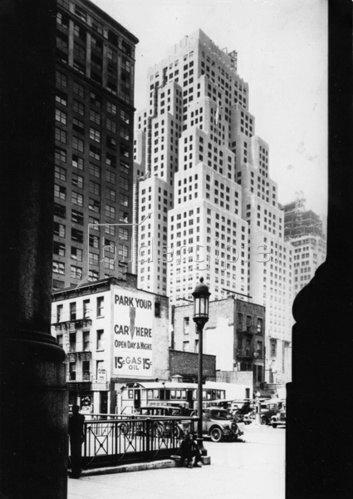 Das 40 Stockwerke hohe Gebäude der Standard Oil Company, New York. Amerika. Photographie. Um 1935.