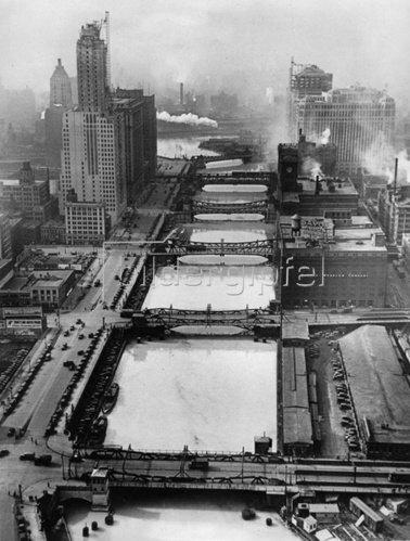 Ausblick auf den Chicago River. Photographie. Um 1935.