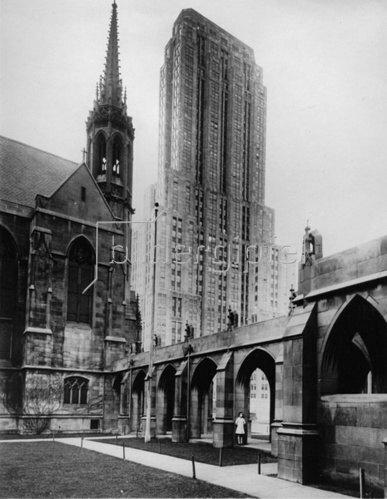 Alte und neue Architektur in Chicago (Palmolive Building, rechts). Photographie. Um 1935.
