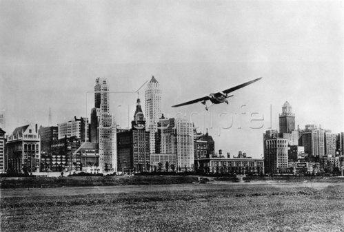 Dreimotoriges Transportflugzeug beim National Air Race. Chicago. Photographie. Um 1935.