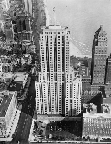 Das Lindbergh Beacon Building in Chicago. Photographie. Um 1935.
