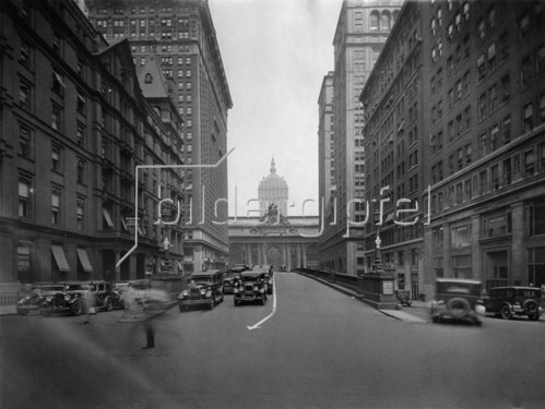 Beginn der Park Avenue in New York. Photographie. Um 1935.
