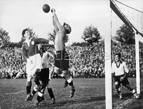 Fussball-Länderkampf Deutschland - Irland (3:1). Dortmund. 08.05.1935.