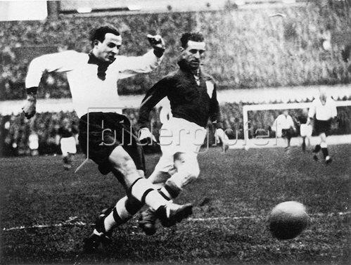 Fussballspiel Niederlande - Deutschland 2:3. Amsterdam, 17.2.1935.