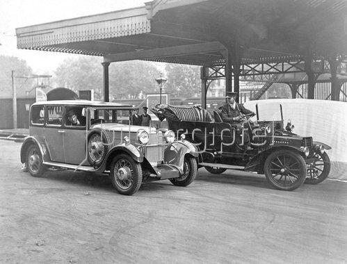 Automobilmesse in Olympia, London, Photographie. London, England. 14.10.1930