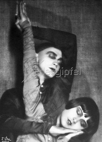 Madame d' Ora: Die Tänzerin Yvonne Georgi mit Tanz-Partner Harald Kreutzberg