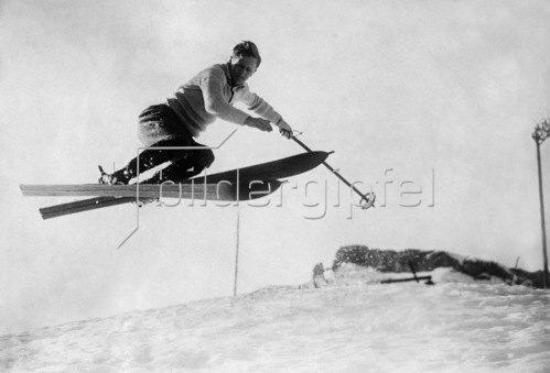 Davos, Schweiz, Skifahrer Lord Knebworth, Quersprung, 1928