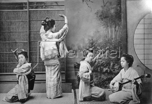 Japan Tänzerinnen beim Teehaustanz, um 1910