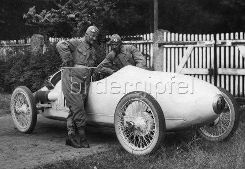 Der aerodynamische Benz-Tropfenwagen. 1923