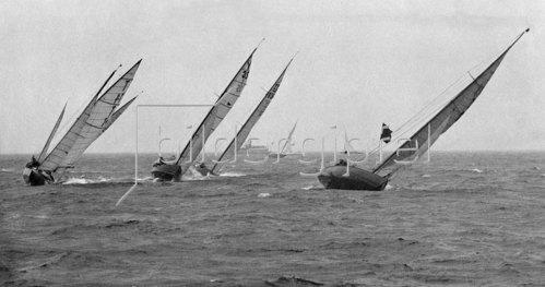 Segeln: Schaerenkreuzer bei schweren Regen, 1929