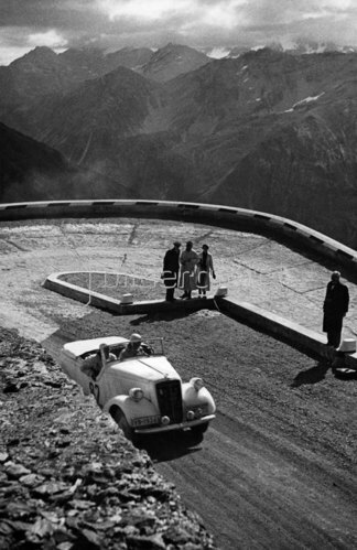 Engessers Opel auf dem Stilfser Joch in Südtirol