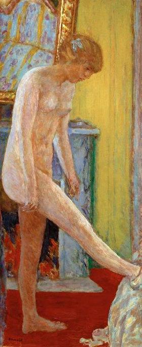 Pierre Bonnard: Nacktes junges Mädchen vor dem Kamin