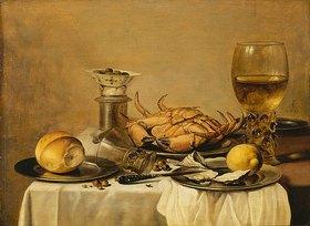 Pieter Claesz.: Banketje - Stillleben mit Seekrabbe, weingefülltem Römer, chinesischem Porzellanschälchen mit Oliven auf Salzfass, Zitrone und Brötchen auf Zinntellern