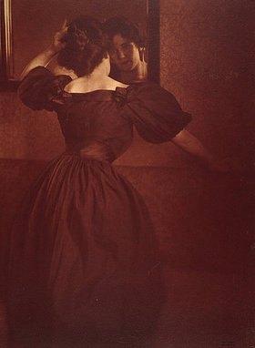 Heinrich Kühn: Frau vor dem Spiegel. 1906