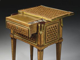 TABLE A ECRIRE D'EPOQUE LOUIS XVI ESTAMPILLE DE PIERRE ROUSSEL