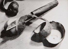 Aenne Biermann: Kartoffel mit Messer