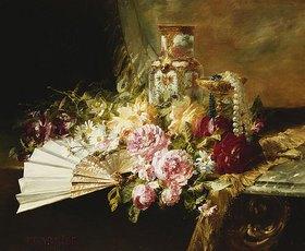 Pierre Garnier: Stillleben mit Fächer, Rosen und einer Vase im Famille-Rose-Stil