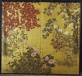 Japanischer Wandschirm aus zwei Blättern auf Goldpapier mit Ahornzweigen, Kamelien, Hortensien, Kirschblüten, Lilien und anderen Blumen. 18. Jahrhundert