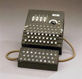 Eine deutsche Enigma-Maschine mit der Nummer