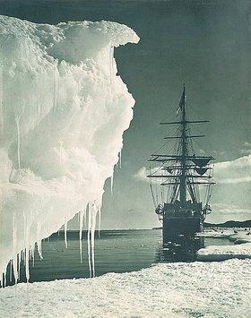 Herbert Ponting: Die Terra Nova am vereisten Ufer des Cape Evans