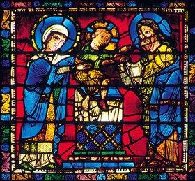 Französisch: Mittleres Westfenster mit Kindheit und Leben Christi. Um 1145-1155. Detail: Die Darstellung Christi im Tempel