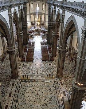 Arnolfo di Cambio: Innenansicht der Kathedrale Santa Maria del Fiore in Florenz. 13.-15. Jh