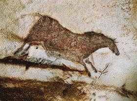 Unbekannter Künstler: Höhle von Lascaux. Linke Wand des axialen Divertikels: Galoppierendes Pferd. Ca. 17.000 v. Chr