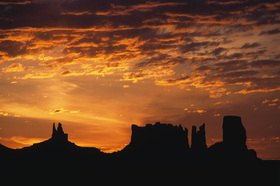 Günter Kozeny: USA; Arizona; Sunset im Monument Valley