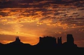 Günter Kozeny: USA; Arizona; Sunset im Monument Valley