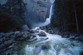 Günter Kozeny: USA; Kalifornien; Wasserfall im Yosemite Nationalpark
