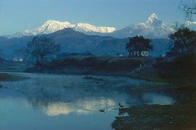 Günter Kozeny: Nepal, Pokkhara: Blick auf Annapurna-Massiv und Machapuchare