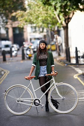Horst A. Friedrichs: Cycle Style.<p>Cara rides an Archielle Saar deluxe duomatic Bicycle