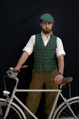 Horst A. Friedrichs: Cycle Style.<p> Alex rides an Abici Granturismo