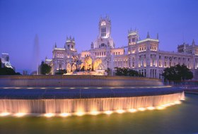 Postamt am Plaza de Cibeles am Abend, Madrid, Spanien
