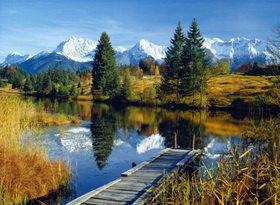 Geroldsee gegen Karwendelgebirge bei Mittenwald