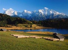 Geroldsee gegen Karwendelgebirge bei Mittenwald, Oberbayern