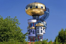 Hundertwasserturm der Brauerei Kuchlbauer in Abensberg
