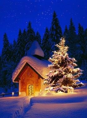 Weihnachtszeit bei der Kapelle am Gut Elmau bei Klais, Oberbayern