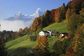 Bergbauernhof bei Maria Gern gegen Watzmann im Berchtesgadener Land, Oberbayern