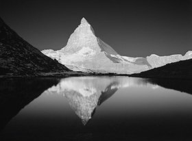 Zermatt, Riffel Lake and Matterhorn mountain, Alpen, Wallis, Schweiz