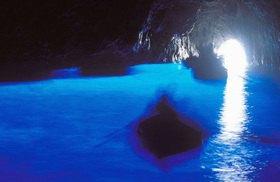 Grotta Azzurra, Blue Grotto, inside, Insel Capri, Provinz Neapel, Kampanien, Italien