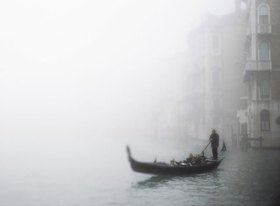 Gondel im Nebel